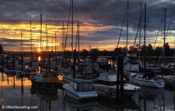 A nice marina sunrise.